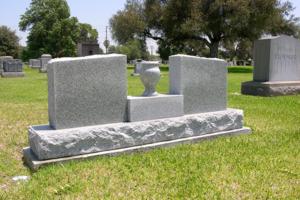 Wings Vase Monument