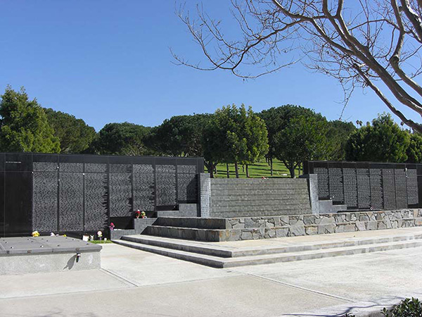 Rose Hills Cenotaph Wall